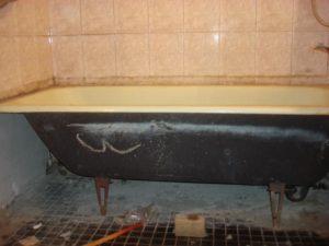 старая чугунная ванна